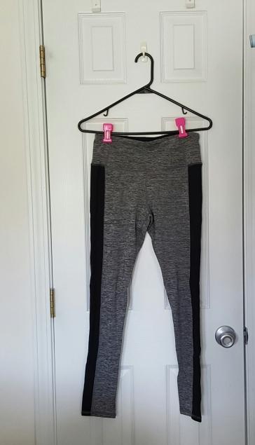 grey yoga pants 1